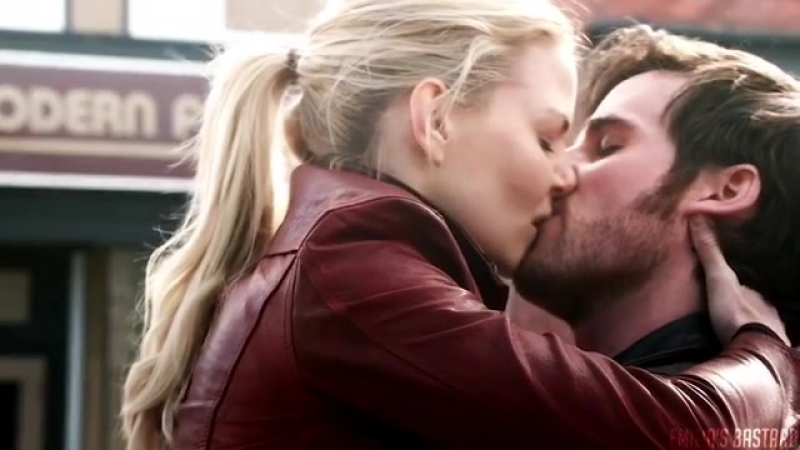 Captainswan ` captain hook ` emma swan ` once upon a time [ vine ]