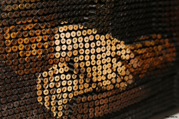 """Репродукция бесценной картины Леонардо Да Винчи, """"Мона Лиза"""", масштаб 1:1."""
