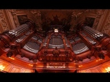 XAVER VARNUS PLAYS BACH'S TOCCATA &amp FUGUE IN THE BERLINER DOM