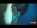 Скрытая камера снимает в раздевалке груди девушки