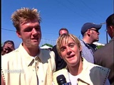 Nick and Aaron Carter Being Interviewed at the 2001 Teen Choice Awards - YouTube