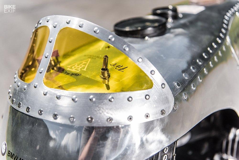 VTR Customs: кастом BMW R1200R Spitfire