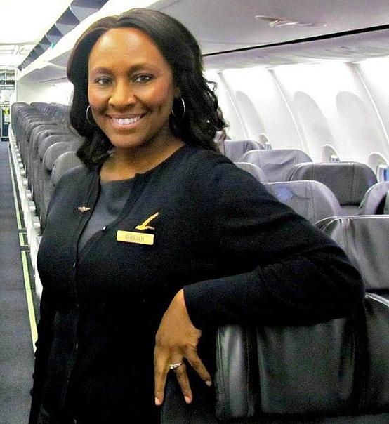 Улыбка и мужество: стюардессы, которые совершили подвиг во имя жизни людей Очень часто работу стюардессы слишком романтизируют: дальние страны, знакомство с людьми, хорошее настроение, идеальная