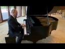 Путин сильно удивил Китайцев своей игрой на рояле