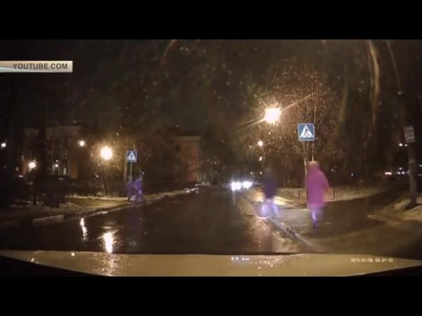 В Нижнем Новгороде водитель сбил женщину с двумя детьми