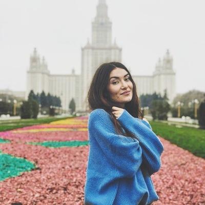 Лена Мартынова