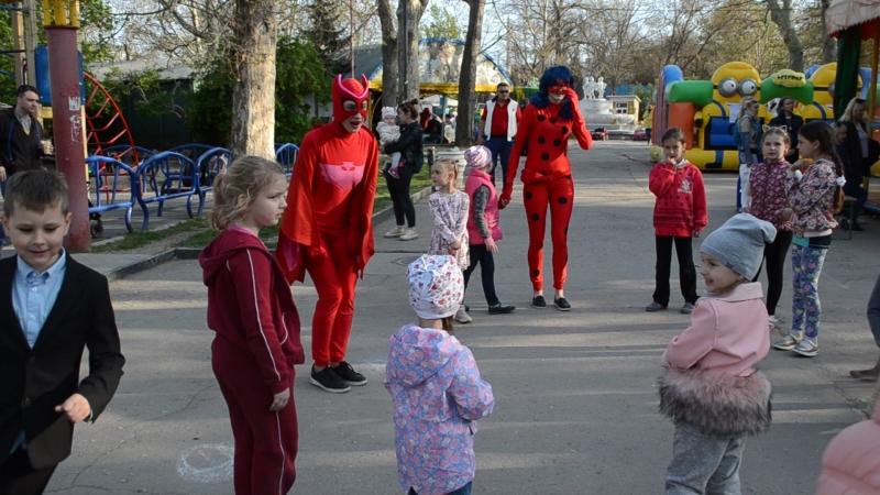 Дворовые игры в комсомольском парке! С любовью к детям