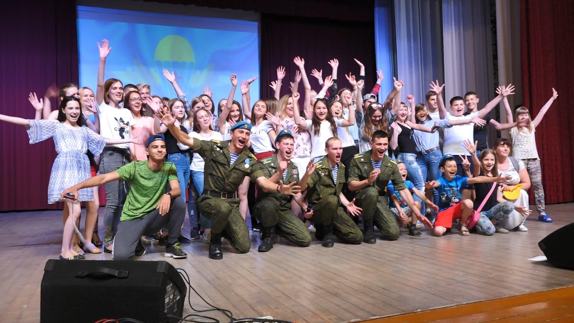 Сборная команда КВН «Умные люди» в Михайлове