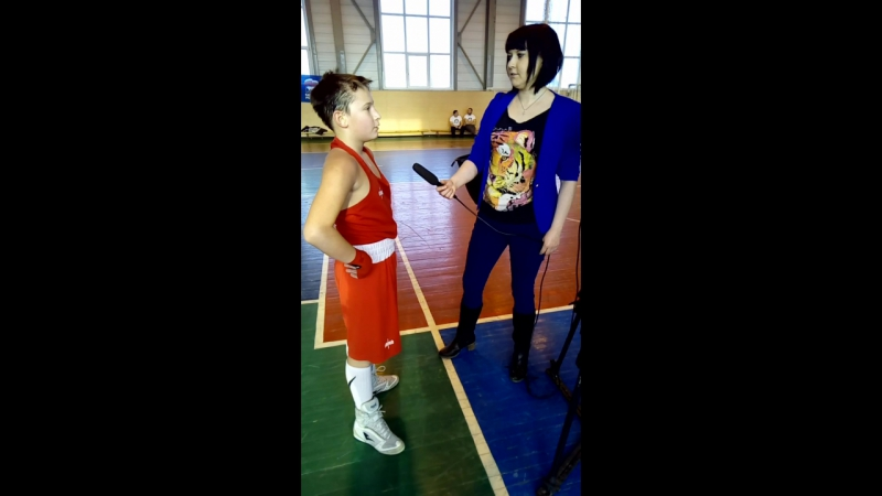 г.Кыштым. красавчик даёт интервью