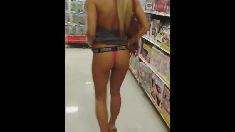 Застветила попку в торговом центре порно секс эротика попка booty anal анал сиськи boobs brazzers