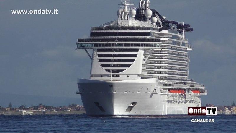 A bordo della nave da crociera più grande d'Italia la MSC SEASIDE AL PORTO DI MESSINA