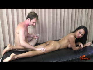 thippy_oiled_up_to_fuck_720p