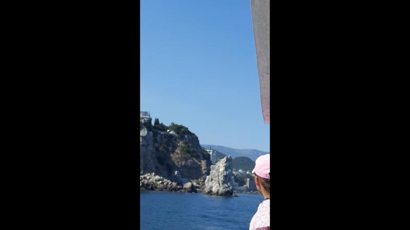с Ласточкино гнездо до Ялты на яхте