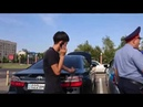 Полицейские заставили водителя снять тонировку в Алматы | NurKZ