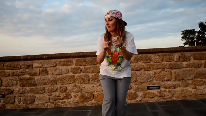 Francesca Ragazzi - Yellow Claw DJ Turn It Up