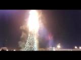 горящая елка в Южно-Сахалинске