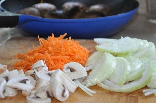 Котлеты в луковом соусе