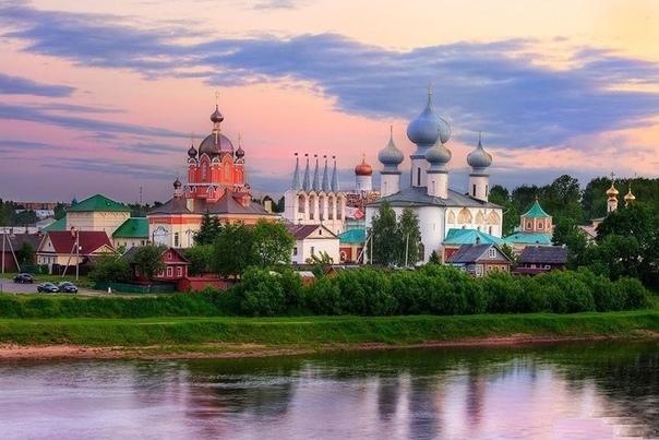 Города Новокузнецк и Тихвин отпраздновали День города 7 июля. Поздравляем!