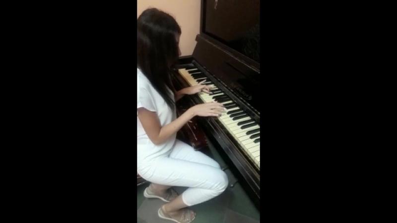 Пианист от бога😂