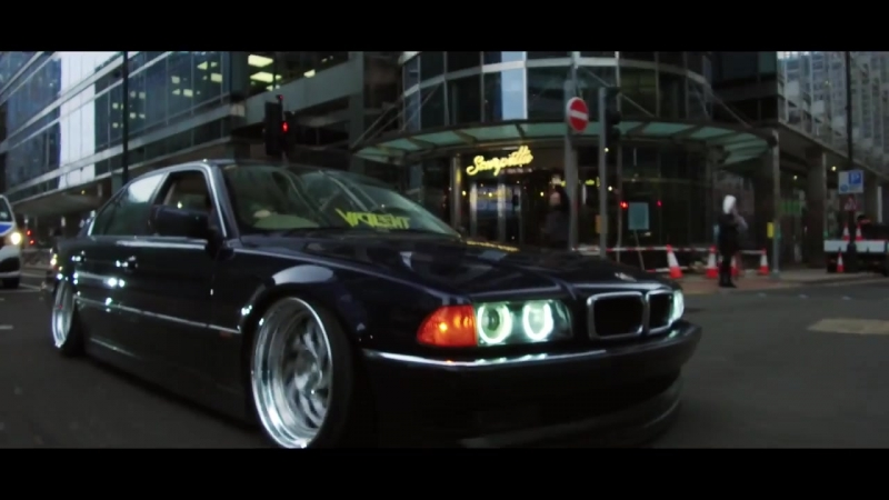 BMW e38 Low Landing Style MPower