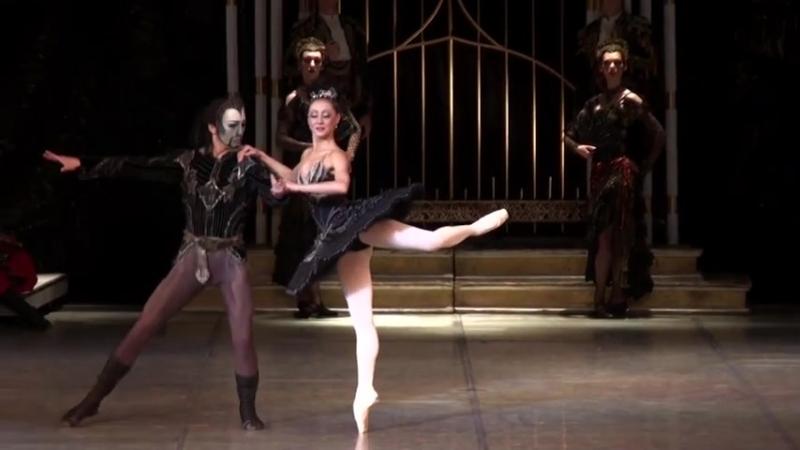 12 05 2015 Moscow Classical Ballet at Novaya Opera Moscow Natalia Ogneva Nikolay Chevychelov Alexey Orlov Black Swan PDD
