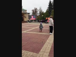 Белгородский танцор зажигает на День народного единства