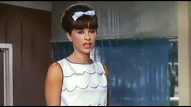 Astrud Gilberto With Stan Getz - Girl From Ipanema (1964)
