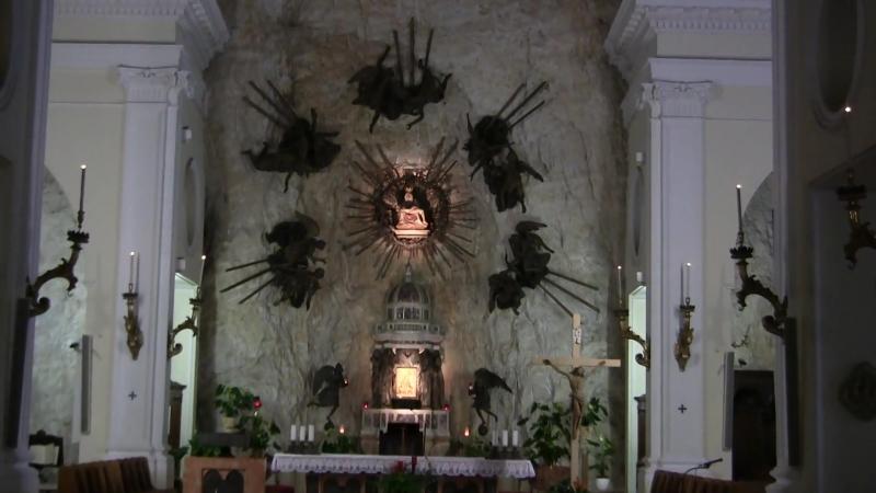 Santuario Madonna della Corona e le quindici stazioni della Via Crucis