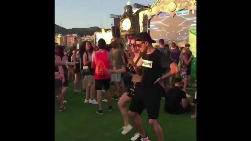 1 RAVEDANSFAM Rave familу shuffle and cutt