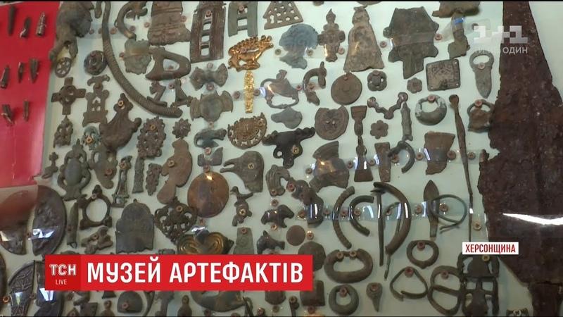Житель Херсонщини перетворив власне подвір'я на музей старовинних артефактів