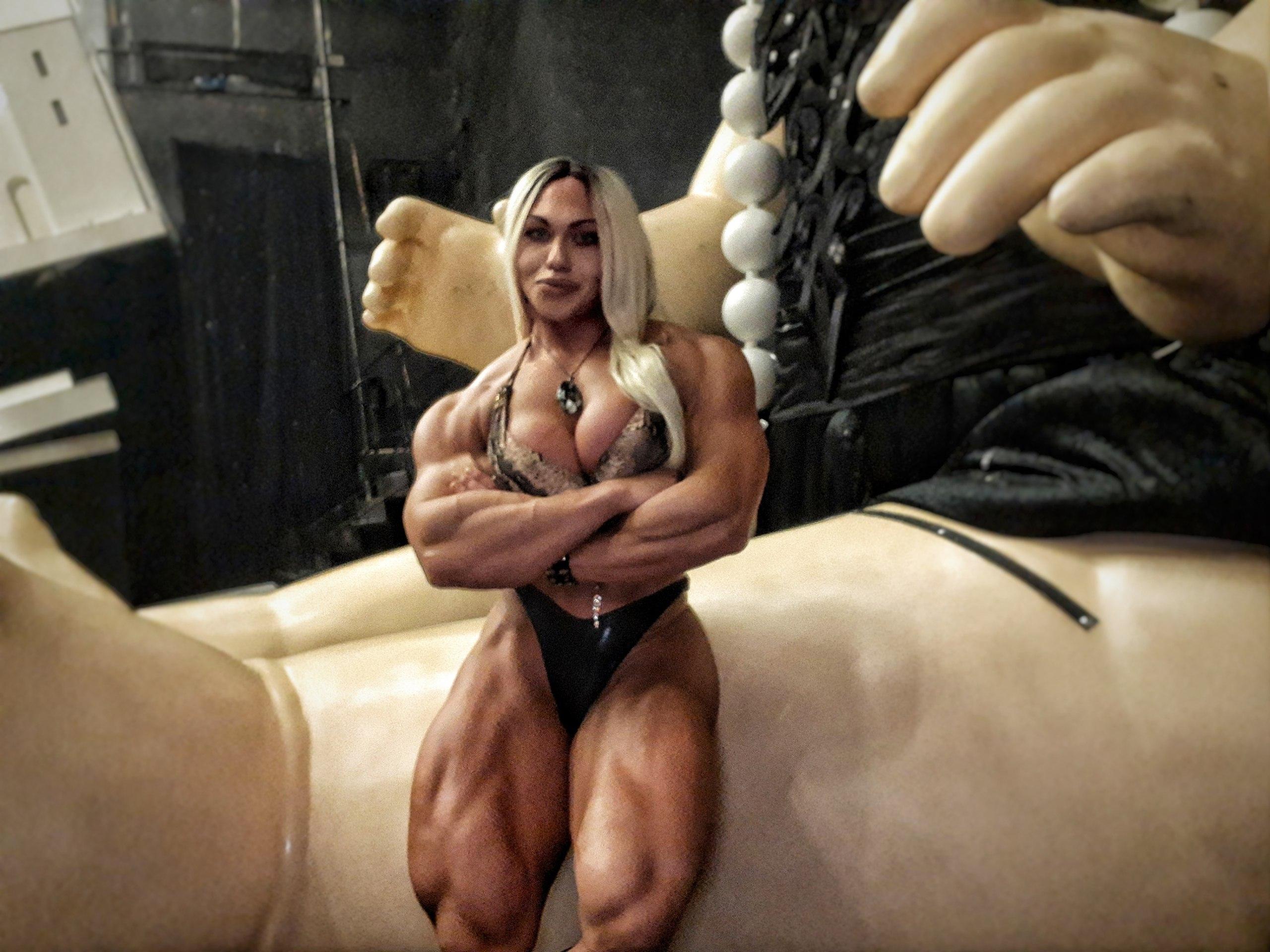 Самые накаченные девушки украины, Как выглядит самая мускулистая девушка в мире 24 фотография