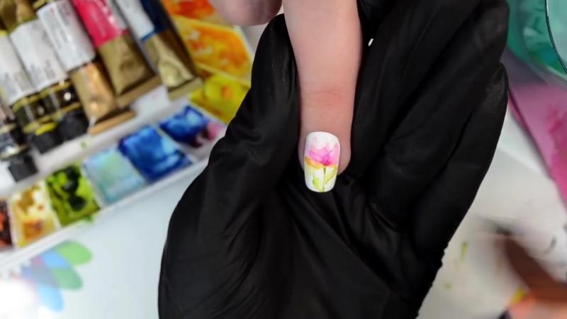 Весна на ногтях акварельными красками.mp4