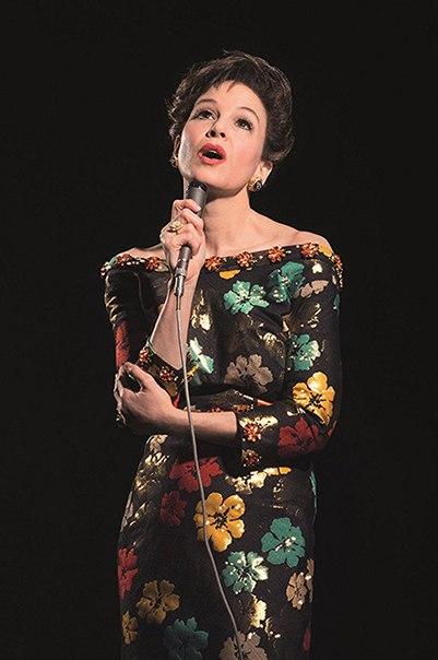 Рене Зеллвегер изменилась до неузнаваемости, чтобы сыграть в фильме о Джуди Гарленд