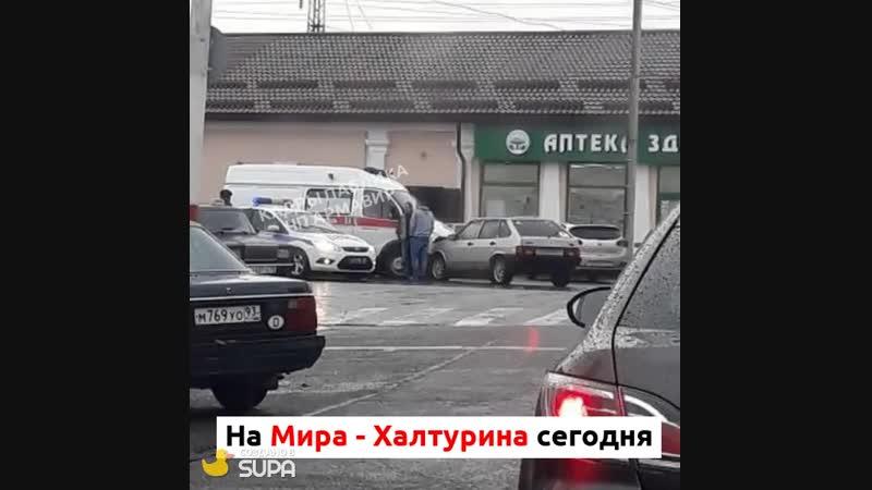 Скорая попала в ДТП на Мира Халтурина 24 10 18