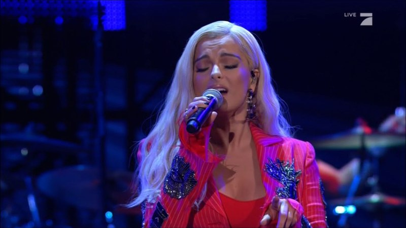 [HQ] Bebe Rexha - Meant To Be (Live at 'Schlag Den Henssler' in Germany 05/05/2018)