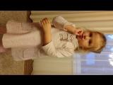 Сивинских Алиса, 4 года. Трагикомедия про котика и песика. Актерское мастерство рассказчика на высшем уровне)