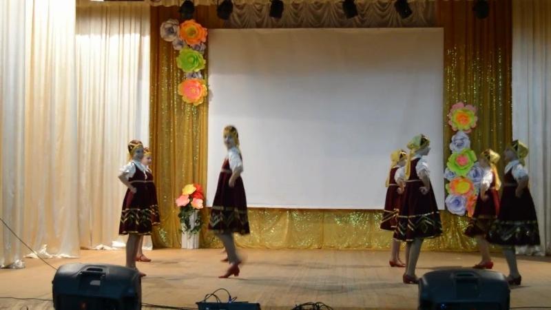 Танцевальный коллектив Веселая капель - Первый парень на селе