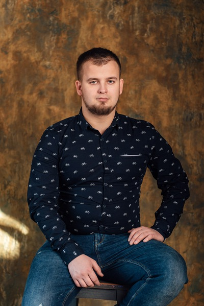 Олег Суров