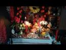 Домашний алтарь на Ламмас пляшущее пламя свечей
