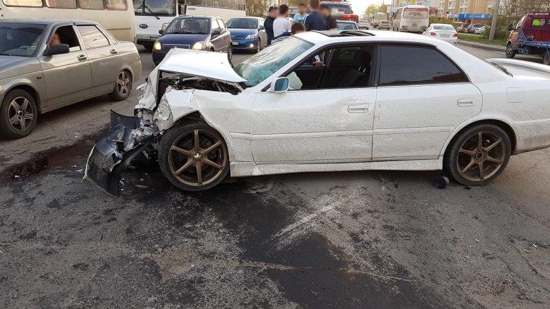 ДТП с тремя автомобилями произошло на Иркутском тракте в Томске