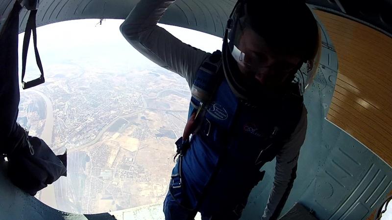 Контрольный прыжок в Аэрограде с Ми-9 (высота 4км)