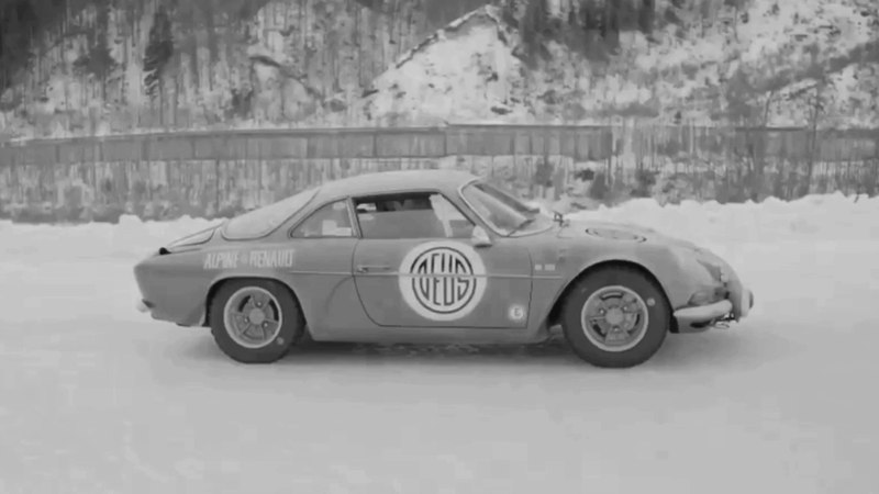 Holiday on Ice - Renault Alpine A110 1600S