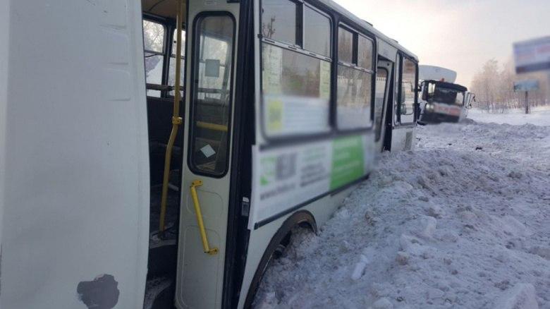 Три человека пострадали в ДТП с автобусом и МАЗом в Томске
