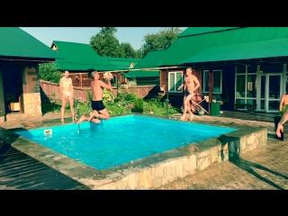 Koltubanovskiy_BZ_in_water_pool