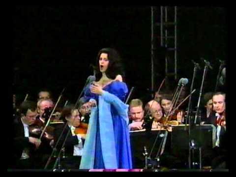Angela Gheorghiu - Valurile Dunarii - Muzica - Prague 1994