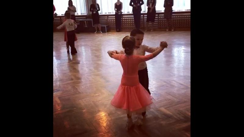 Елисей, Бальные танцы.