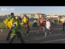 Болельщики смотрят трансляцию матча Сербия-Бразилия