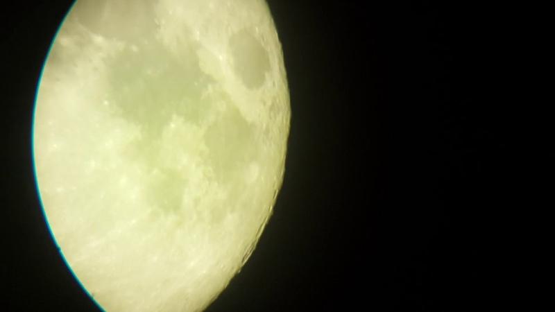 Телескоп Celestron AstroMaster 90 Луна окуляр 10ммфильтр ( видео телефон Samsung Galaxy s4)