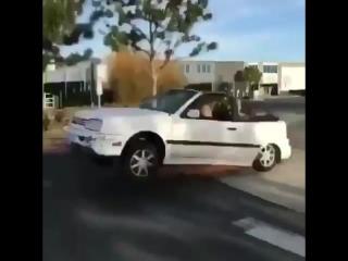 Когда едешь на всей скорости, а впереди лежащий полицейский