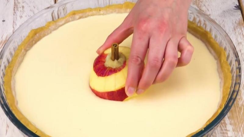 Пирог с целыми яблоками и марципаном | Больше рецептов в группе Десертомания